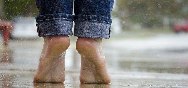 pocení chodidel mokré nohy